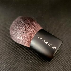 MAC Cosmetics 182 Brush